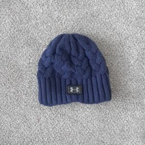 Under Armour navy cable knit fleece lined beanie